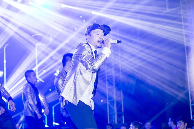 <p> Chương trình còn có sự tham gia của rapper Hà Lê.</p>