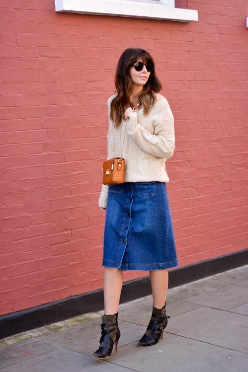 """<p class=""""Normal""""> Trên đường phố, các tín đồ thời trang cũng dành sự yêu mến cho dòng túi này.</p>"""