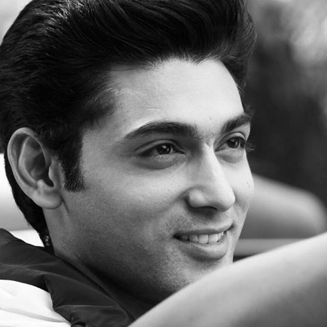 <p> Ruslaan Mumtaz sinh năm 1982, là diễn viên nổi tiếng Ấn Độ.</p> <p> </p>