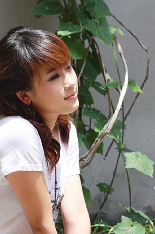 <p> Trần Minh Diễm Hằng đảm nhận vai Trang (em Vàng Anh) trong phần một và vai Thu - bạn của Vàng Anh - trong phần hai. Cô gây ấn tượng với vẻ hồn nhiên, nhí nhảnh.</p>