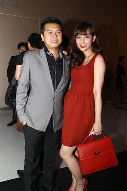 """<p class=""""Normal""""> Quỳnh Chi và chồng cũ xuất hiện trong một sự kiện năm 2012. Nhan sắc của cô ngày càng được khen ngợi với vẻ mặn mà.</p>"""