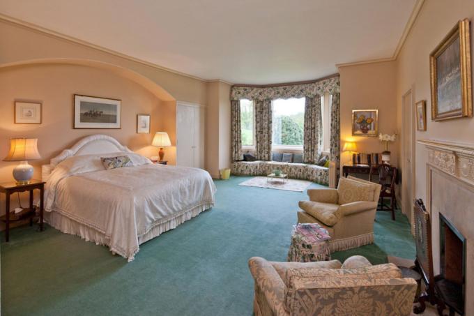 <p> Phòng ngủ chính với thiết kế trang nhã, ấm cúng.</p>