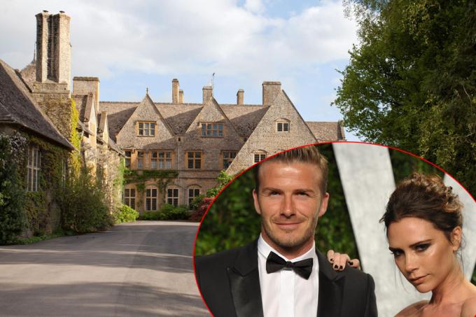 <p> Cuối năm 2015, vợ chồng Victoria Beckham tìm một ngôi nhà mới thay thế dinh thự cũ - Beckingham Palace - để ở khi về Anh. Khu đất ở Cheltenham, Gloucestershire (Tây Nam nước Anh) được nhà Becks mua với giá hơn 33 triệu USD.</p>