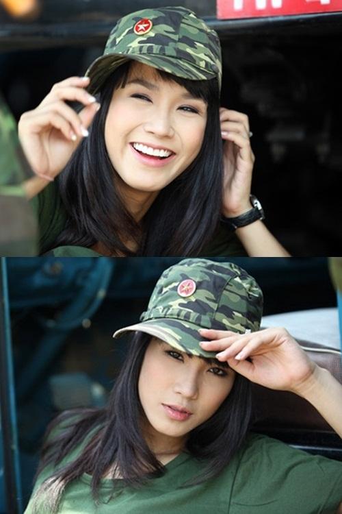 """<p class=""""Normal""""> Năm 2011, Diệp Lâm Anh chú trọng trang điểm sao cho đôi mắt to hơn bằng cách kẻ viền đậm.</p>"""