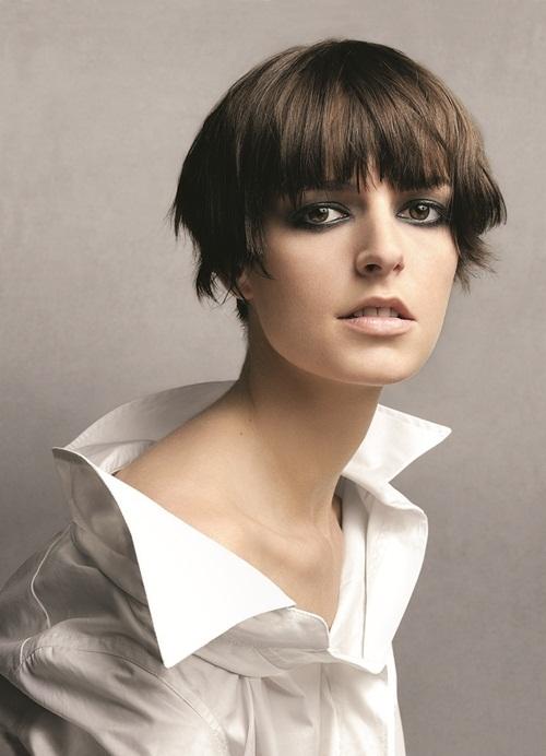 """<p class=""""Normal""""> Mái tóc tém ấn tượng của siêu mẫu Anh Jacquetta Wheeler. Cô sinh năm 1981, cao 1,82 m, từng là gương mặt quảng cáo của Burberry, Calvin Klein, Givenchy, Gucci, Prada, Ralph Lauren, Roberto Cavalli, Salvatore Ferragamo...</p>"""