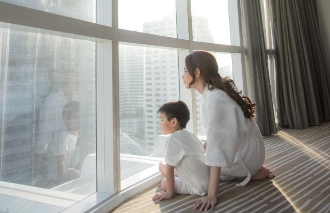 <p> Quỳnh Chi cho biết cô vẫn chưa có người yêu mới vì muốn dành thời gian cho công việc và dồn tình cảm cho con trai bốn tuổi. Nữ MC cũng chia sẻ chồng cũ của cô đã có bạn gái mới.</p>