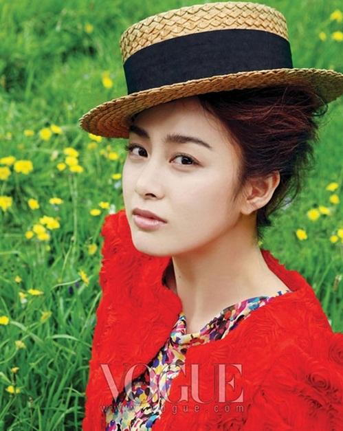 """<p class=""""Normal""""> Gương mặt của mỹ nhân Hàn Quốc trên tạp chí <em>Vogue </em>năm 2010.</p>"""