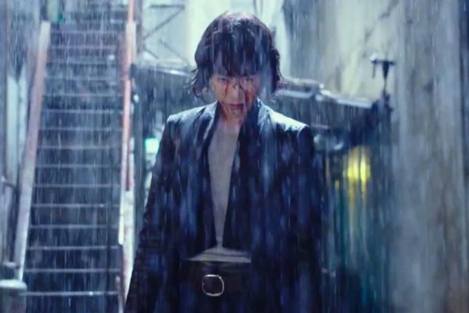 """<p> Nhiều nhà phê bình ngợi khen diễn xuất của Kim Ok Bin.Với đai đen Hapkido và Taekwondo, nữ diễn viên gây ấn tượng trong các hành động, còn ánh mắt sắc lạnh của cô toát lên khí chất của một sát thủ. Những cảnh chiến đấu đẫm máu khẳng định hình tượng """"đả nữ"""" của người đẹp.</p>"""