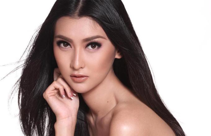 <p> Kevin Lilliana sinh năm 1996. Cô cao 1,77 m, số đo ba vòng là 82-64-82 cm. Hoa hậu Quốc tế 2017 là người mẫu nổi tiếng của Indonesia. Cô từng đoạt danh hiệu Á hậu 1 tại cuộc thi Puteri Indonesia 2017.</p>