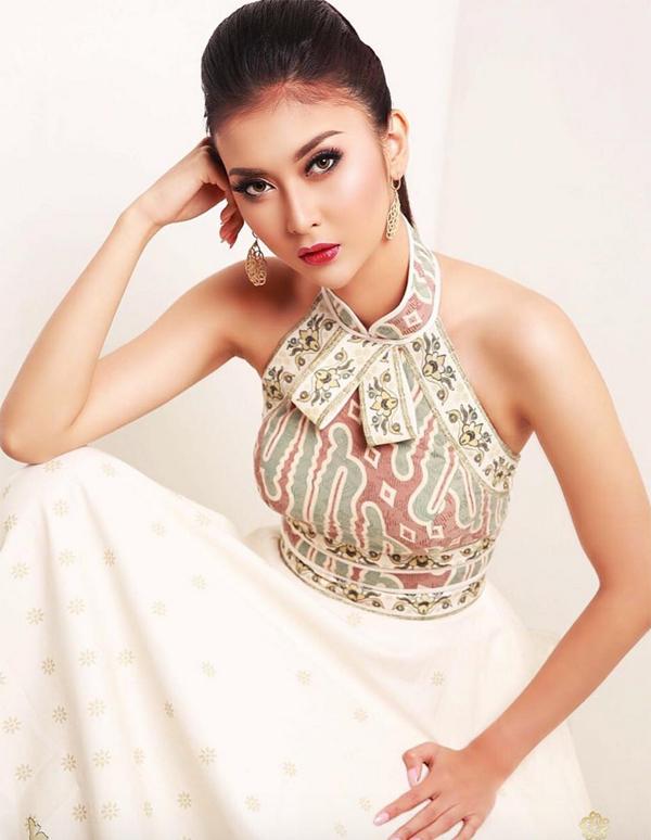 """<p> Kevin Lilliana sẽ có một năm hoạt động với tư cách <a href=""""https://giaitri.vnexpress.net/miss-international-2017/topic-22525.html"""">Hoa hậu Quốc tế </a>tại Nhật Bản. Cô sẽ di chuyển đến nhiều nước để làm từ thiện và truyền thông điệp về sự yêu thương.</p>"""