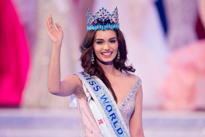 """<p> Trong chung kết Miss World 2017 ngày 18/11 ở Trung Quốc, Manushi Chhillar của Ấn Độ giành <a href=""""https://giaitri.vnexpress.net/tin-tuc/gioi-sao/quoc-te/nguoi-dep-an-do-dang-quang-hoa-hau-the-gioi-2017-3672292.html#ctr=related_news_click"""">chiến thắng</a>. Manushi Chhillar sinh năm 1997, cao 1,75 m. Cô là người mẫu.</p>"""