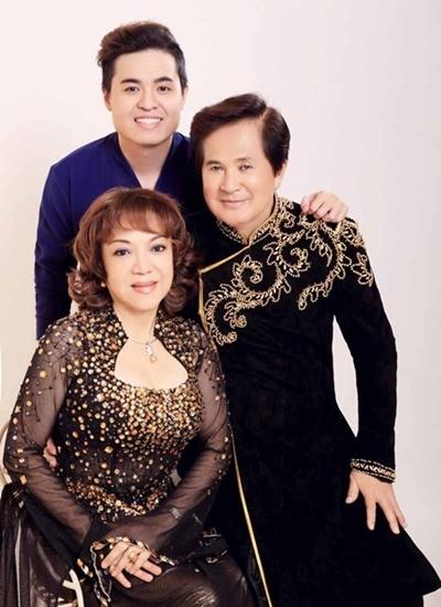 Vợ chồng Hoài Thanh và con trai - ca sĩ Hoài Anh Kiệt.