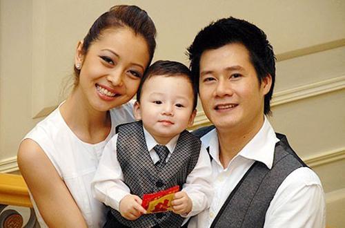 Năm 2007, cả hai đón con trai đầu lòng - bé Bảo Nam. Jennifer Phạm bắt đầu xuất hiện trên sân khấu liveshow mang tên Love Story của Quang Dũng. Cô diễn minh hoạ cho chồng mình trong ca khúc Dạ khúc cho tình nhân.