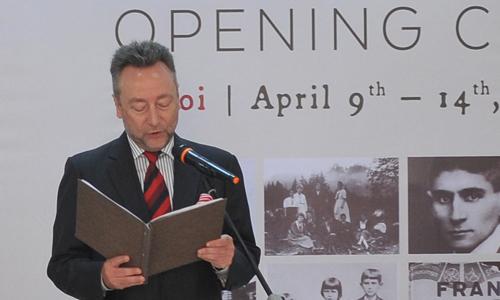 Đại sứ Công hòa Czech Vitezslav Grepl phát biểu tại lễ khai mạc.