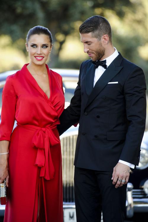 <p> Pilar Rubio là bạn gái của Sergio Ramos - trung vệ tuyển Tây Ban Nha và câu lạc bộ Real Madrid. Họ hẹn hò từ năm 2012 và có ba con. Mỹ nhân 40 tuổi là người dẫn chương trình truyền hình nổi tiếng Tây Ban Nha.</p>