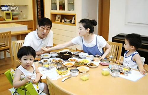Tổ ấm của vợ chồng sao quyền lực nhất Hàn Quốc trên sóng đài SBS.