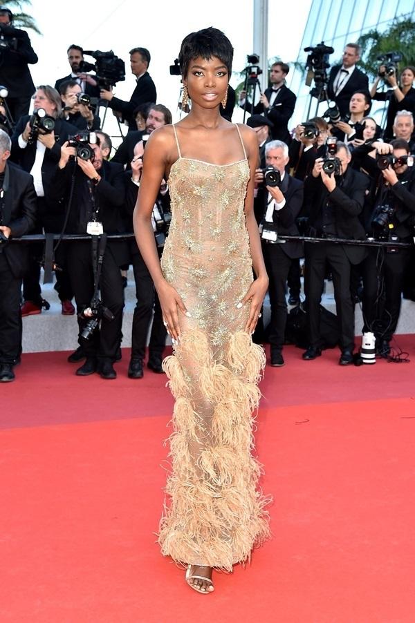 Những bộ váy hở cơ thể trên thảm đỏ Cannes 2019 1