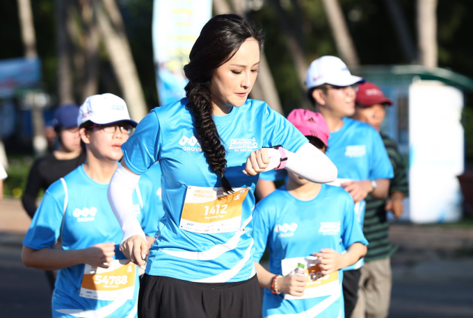 <p> Sáu năm theo đuổi môn thể thao chạy bộ, Mai Phương Thúy cho biết cô thấy sức khỏe được cải thiện, làm việc hiệu quả, năng suất hơn. Vì tim yếu, người đẹp thường chinh phục các cự ly vừa phải.</p>