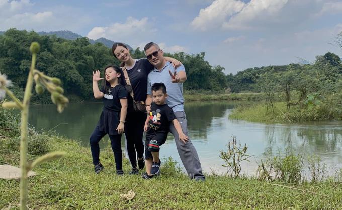 Sáng 3/5, gia đình Jennifer Phạm tổ chức chuyến đi đến Hòa Bình trong ngày.
