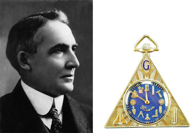 Tổng thống Mỹđời thứ 29 - Warren G. Harding sở hữu một chiếc đồng hồ Masonic của Hiram, mã hiệu 3364074. Cỗ máy thời gian bỏ túi trang trí chi tiết liên quan đến hội Tam điểm (Mason) như: biểu tượng đồng hồ cát, la bàn, thước vuông góc, các dụng cụ của người thợ xây đá... thay cho các số chỉ giờ. Vỏ vàng 14k được khắc tên hãng Hiram, trùng với tên người lãnh đạo hội Mason xây dựng đền thờ Vua Solomon. Theo trang Watchtime, Harding gia nhập hội năm 1920, cùng thời điểm đó ông được bầu làm tổng thống.