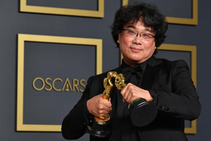 Đạo diễn Bong Joon Ho đại thắng tại Oscar 2020 với phim Parasite. Ảnh: Slate Magazine.
