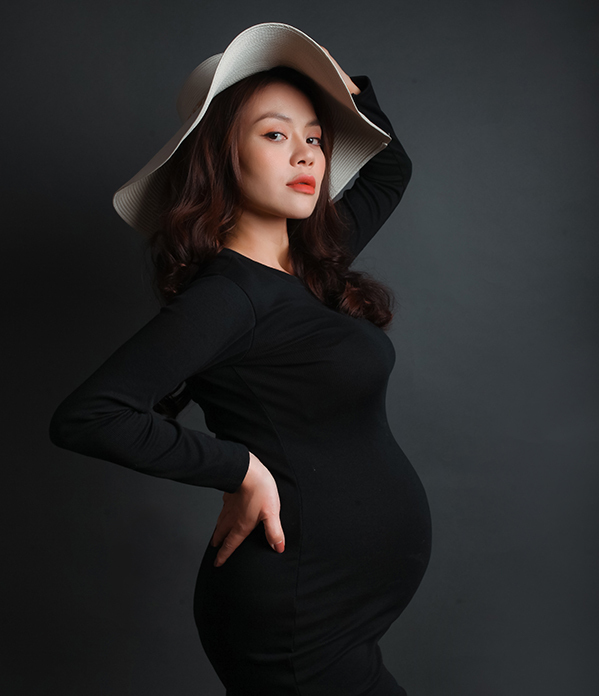 Ca sĩ Nguyễn Hải Yến mang bầu lúc tám tháng. Ảnh: Nhân vật cung cấp.
