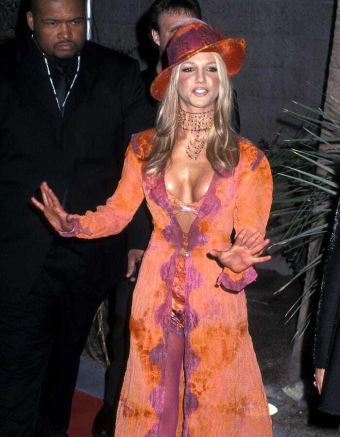 Tại lễ trao giải Âm nhạc Billboard cùng năm, cô được đánh giá cao khi diện