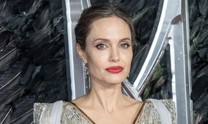 Angelina Jolie tặng 200.000 USD cho tổ chức NAACP Legal Defense Fund hôm 3/6, ủng hộ chống phần biệt chủng tộc. Ảnh: Sopa Image.