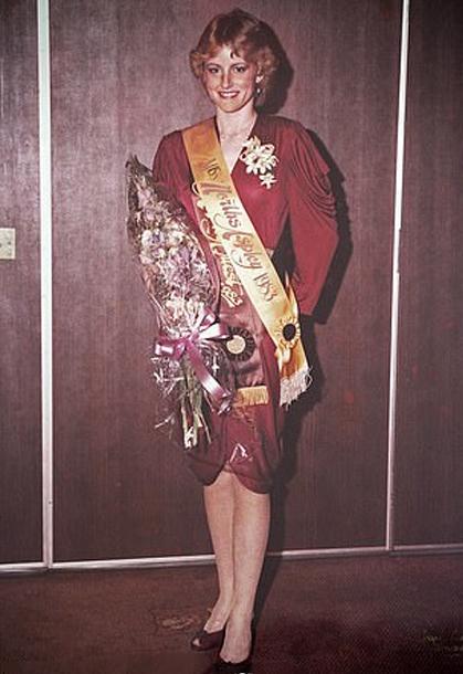 Carol Mayer đăng quang hoa hậu