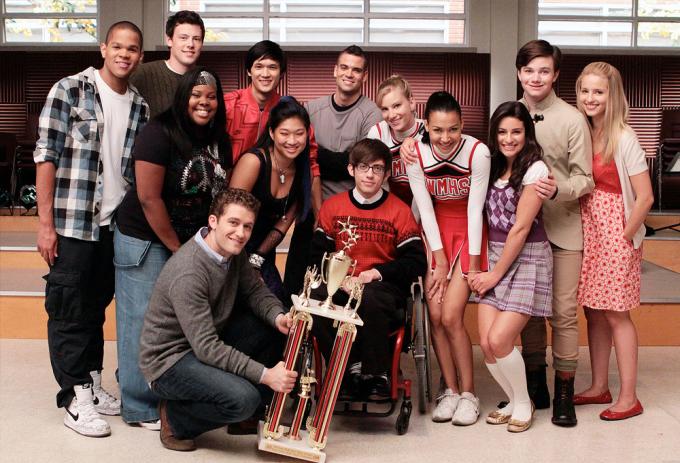 Dàn diễn viên Glee. Ảnh: Fox.