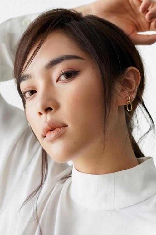 Diệu Linh có nhiều nét giống fashionista Châu Bùi.