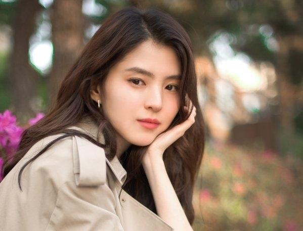 Han So Hee được săn đón sau vai diễn Da Kyung trong Thế giới hôn nhân. Ảnh: DongA.