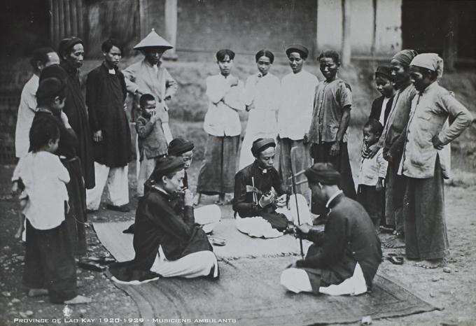 Một nét sinh hoạt âm nhạc của người Việt thế kỷ 19 trong sách Đế quốc An Nam và người dân An Nam. Ảnh: Omega Plus.