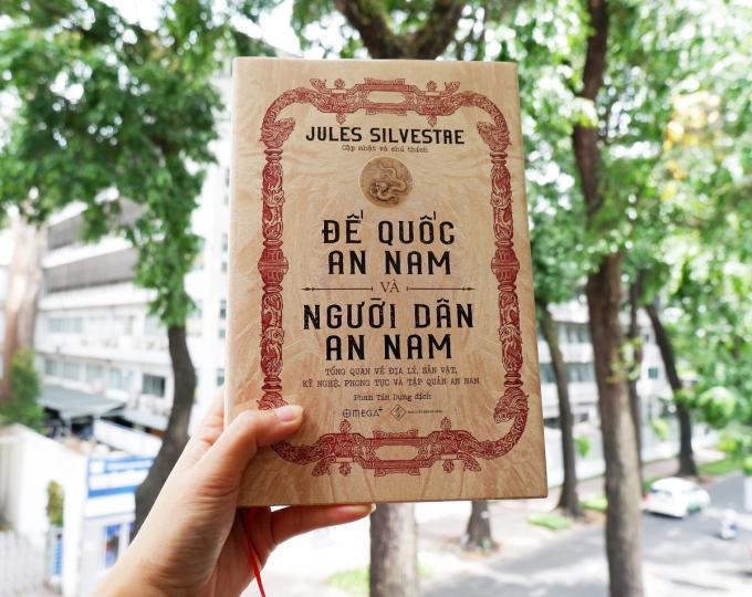 Cuốn sách Đế quốc An Nam và người dân An Nam (LEmpire dAnnam et le peuple annamite) tập hợp nhiều bài báo của các tác giả khuyết danh từng đăng trên tờ công báo Courrier de Saigon trong hai năm 1875 và 1876, sau đó đã được Giáo sư Jules Silvestre cập nhật và chú thích để xuất bản lần đầu bằng tiếng Pháp năm 1889 (NXB Đà Nẵng và Omega Plus vừa cho ra mắt tháng 7/2020, với bản dịch của Phan Tín Dụng).