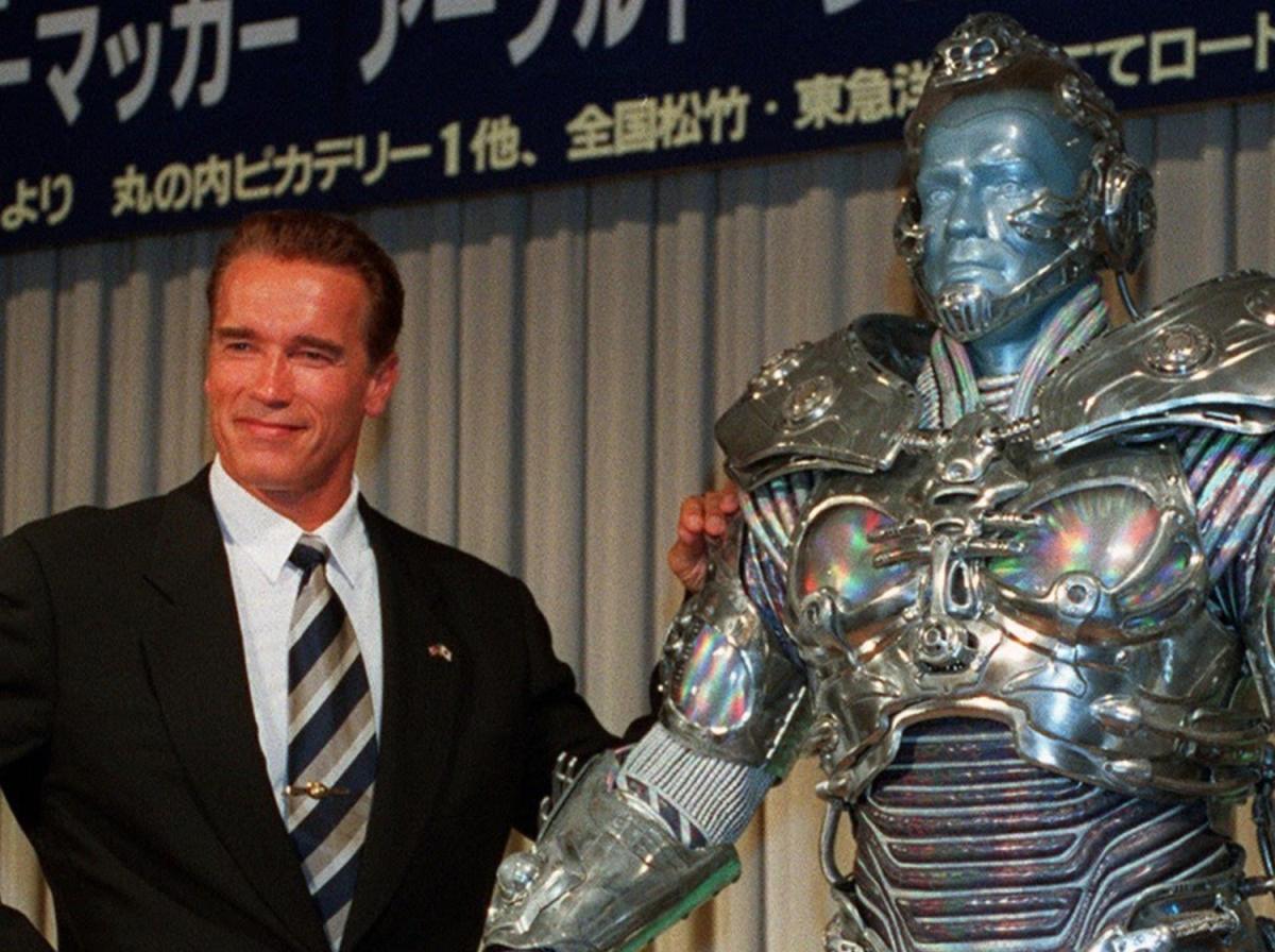 Arnold-1997-1596623665.jpg?w=1200&h=0&q=100&dpr=1&fit=crop&s=bi_9rjWDA4FBLoXiz0RQJQ