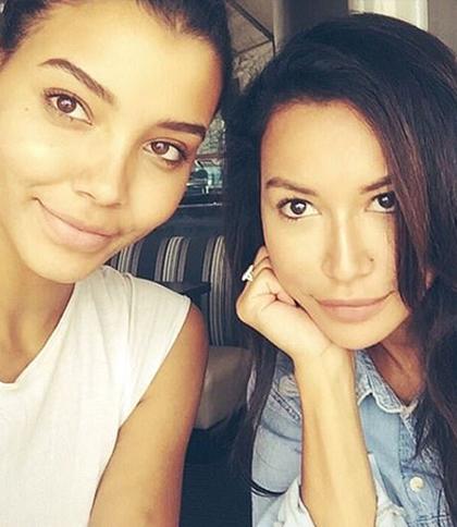 Nickayla Rivera (trái) và chị gái Naya Rivera. Ảnh chụp màn hình từ Nickayla Rivera Instagram.