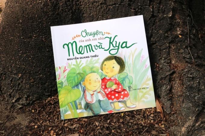 Cuốn Chuyện của anh em nhà Mem và Kya. Ảnh: Nhà xuất bản Trẻ.