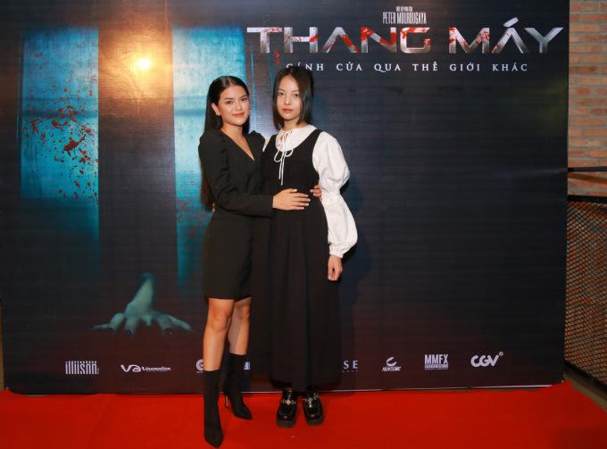 Yu Dương (phải) cùng bạn diễn Mai Bích Trâm. Ảnh: CGV