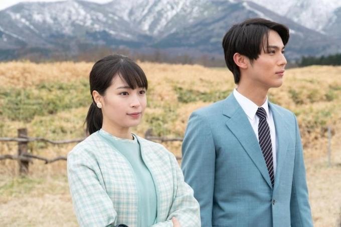 Hirose Suzu (trái) và Taishi Nakagawa trong phim Natsuzora. Ảnh: TVTime.