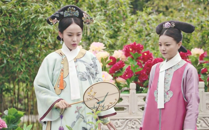 Vương Tử Văn (phải) trong Như Ý truyện. Ảnh: Weibo.