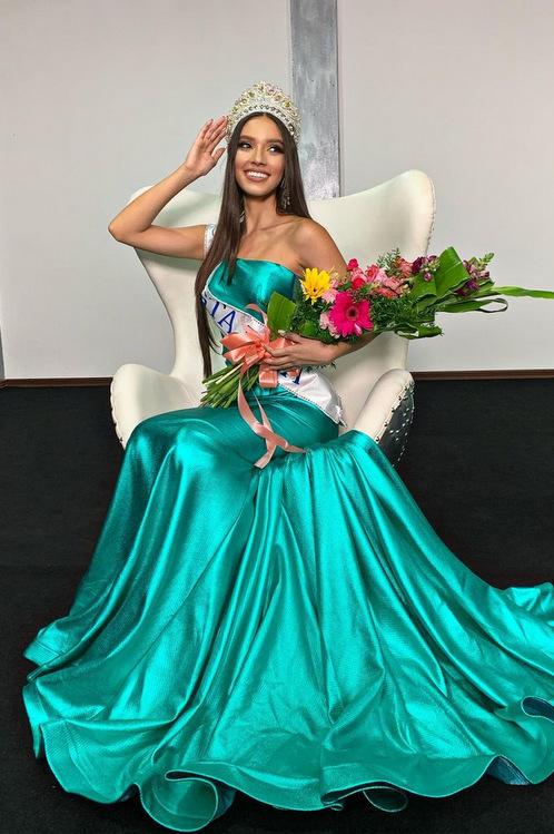 Người đẹp 19 tuổi đăng quang cnbcostarica