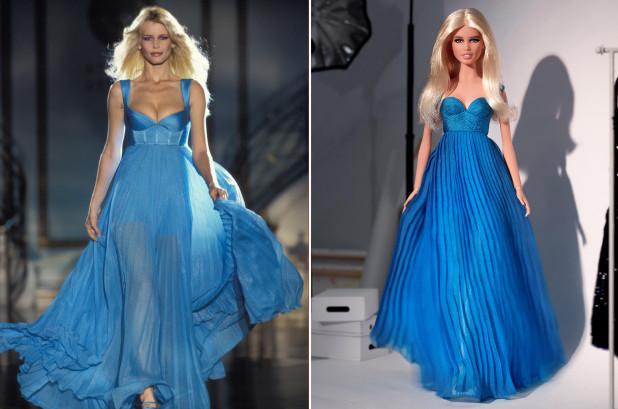 Claudia Schiffer và phiên bản búp bê Barbie của cô.