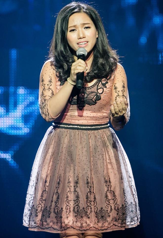 Thành công từ sớm, Thùy Chi chọn trở thành một giáo viên piano thay vì dấn thân showbiz. Đến năm 2014, lần đầu tiên cô trở lại sân khấu lớn sau thời gian dài vắng bóng và thu hút sự chú ý với ngoại hình được đầu tư chỉnh chu hơn trước.