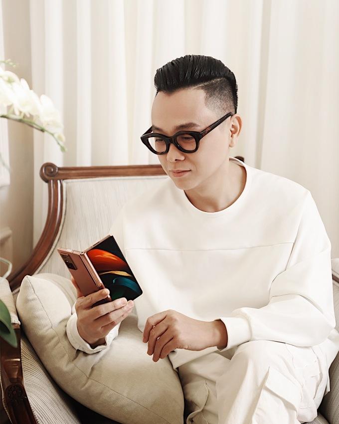 Công Trí chọn Galaxy Z Fold2 để đáp ứng nhu cầu công việc, giải trí, thể hiện cá tính bản thân.