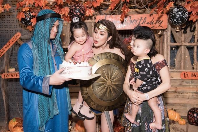 Đàm Thu Trang, Cường Đôla đi chơi Halloween  - 4