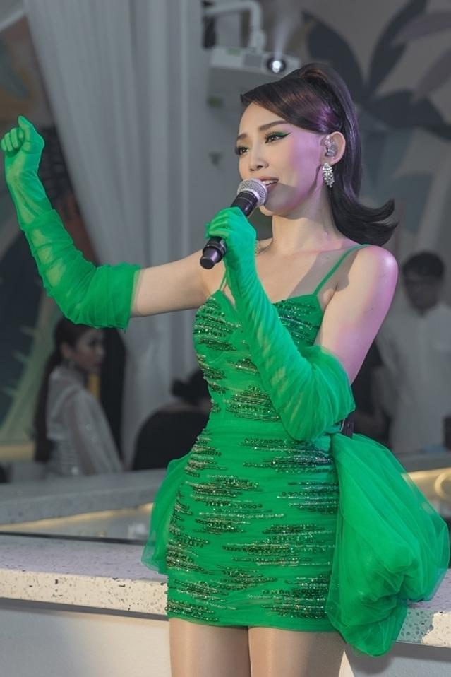 Đàm Thu Trang, Cường Đôla đi chơi Halloween  - 10