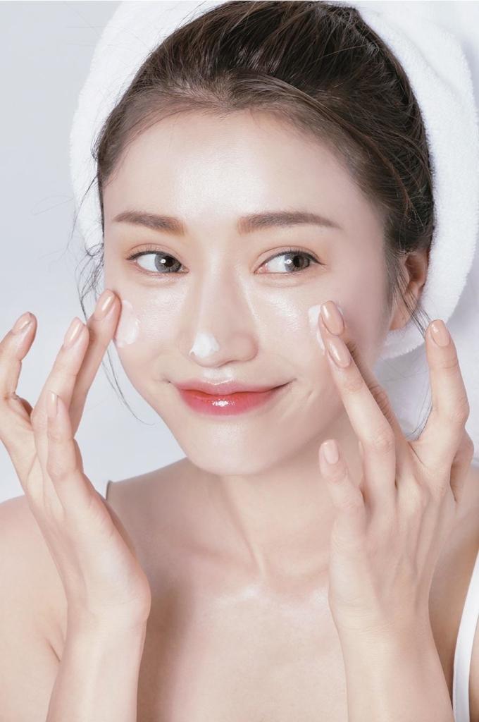 Kem chống nắng không chỉ để chống nắng mà còn giúp làn da chống lại những tác nhân gây hại cho da.