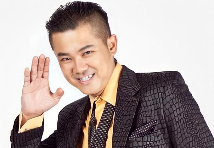 Vân Quang Long được đồng nghiệp, khán giả nhớ đến với nụ cười răng khểnh đặc trưng. Ảnh: Vân Quang Long Official.
