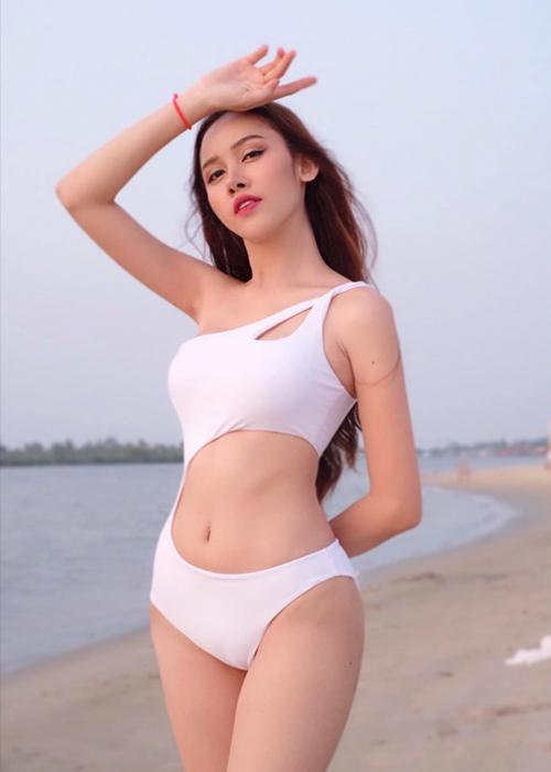 Sai Fhon sẽ đại diện Cambodia tranh tài tại Hoa hậu Chuyển giới Quốc tế (Miss International Queen) tại Thái Lan dự kiến tổ chức vào cuối năm. Năm nay, Trân Đài là thí sinh Việt Nam giành suất tham gia sau khi đăng quang cuộc thi Đại sứ hoàn mỹ 2020.
