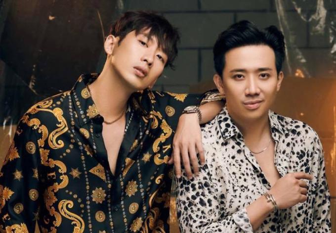 Trấn Thành (phải) và Tuấn Trần - hai diễn viên chính phim Bố già. Ảnh: Nam Nguyễn/